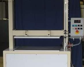 Machine de compression d'emballages